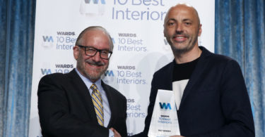 2_a sinistra - Drew Winter_Editor-in-Chief of WardsAuto World Magazine- a destra - Andreas Wuppinger_Head of Interior Design for Fiat Chrysler Automobile