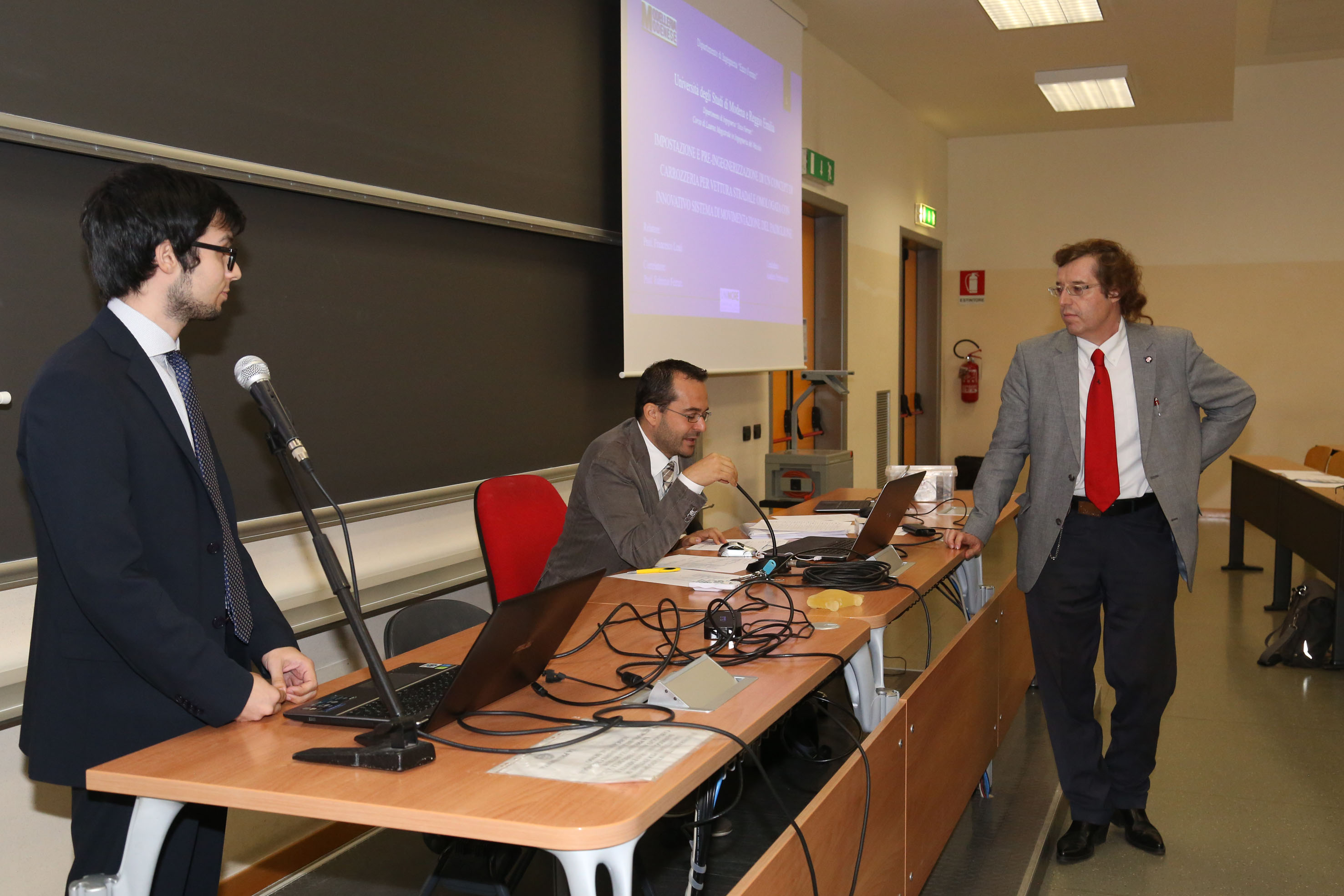 """Photo of Presentata l'ultima evoluzione dell'inedito progetto di ricerca """"AHR"""" Al Dipartimento di Ingegneria """"Enzo Ferrari"""" dell'Università di Modena"""