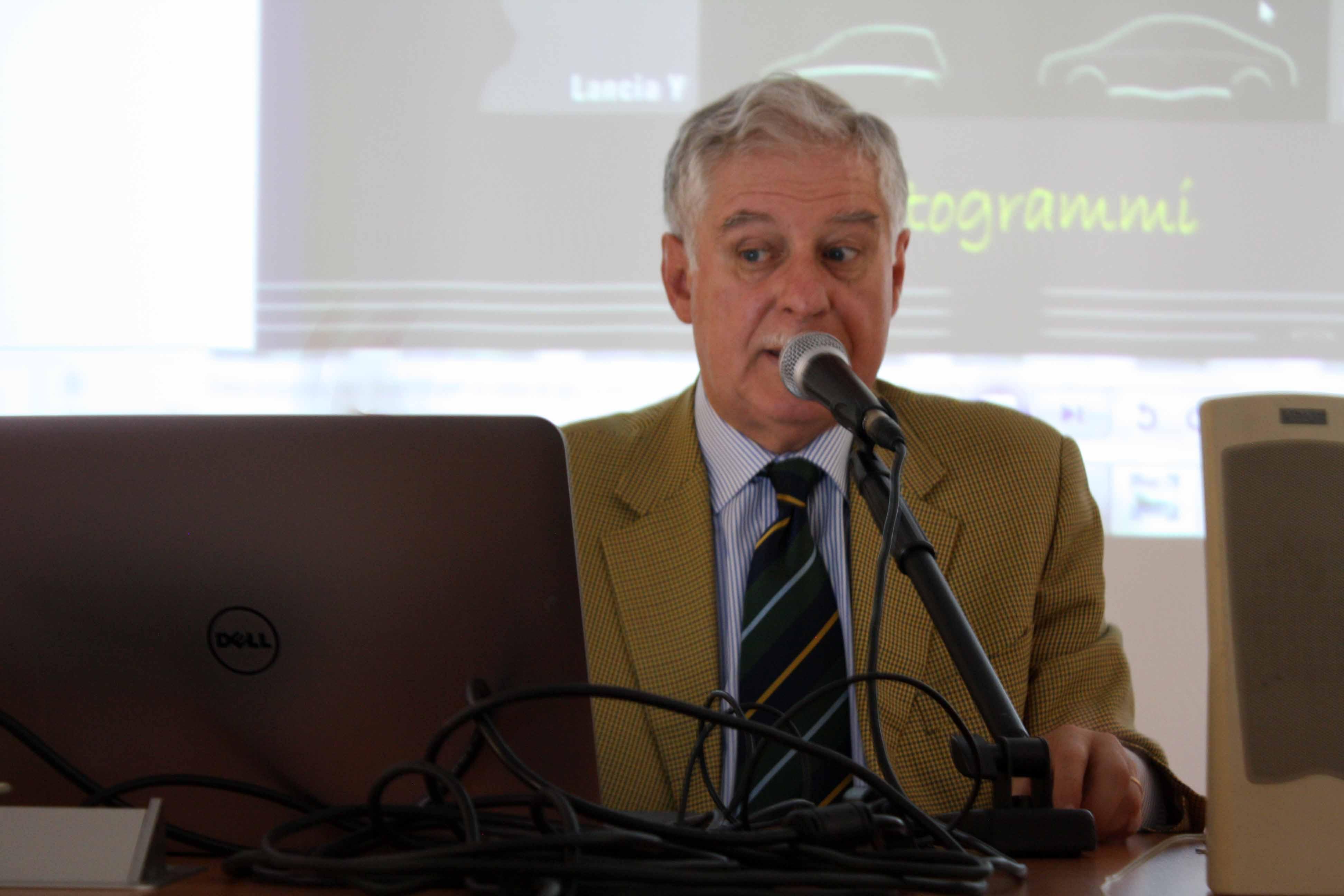 Photo of All'Università di Modena, seminario sul design da parte di uno storico designer, ingegnere e manager del mondo dell'auto: l'Ing. Enrico Fumia.