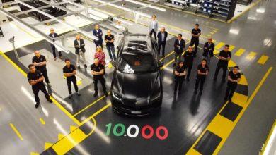 Photo of Nuovo record produttivo: Automobili Lamborghini festeggia la Urus n. 10.000