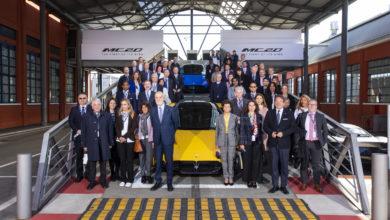Photo of Gli Ambasciatori di tutto il mondo in visita allo storico stabilimento Maserati a Modena